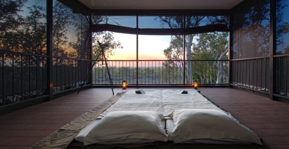 Un lit sous un ciel étoilé...